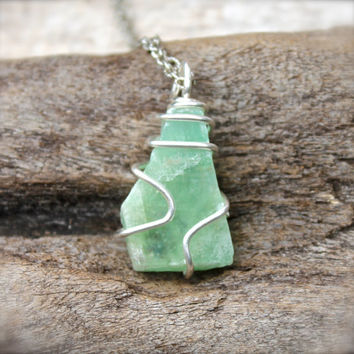 Green Calcite Necklace, Rough Stone Necklace, Raw Stone Jewelry, Natural Calcite Jewelry, Bohemian Jewelry, Hippie Necklace, Gypsy Pendant