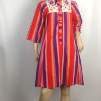 Vintage Hand Embroidered Tunic Dress Baha Stripe Ethnic Poss Mexican 70s Dress Toggle Buttons Coverup Beach Dress 36.5 inch bust