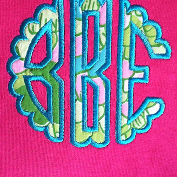 Lilly Pulitzer scalloped monogram t-shirt