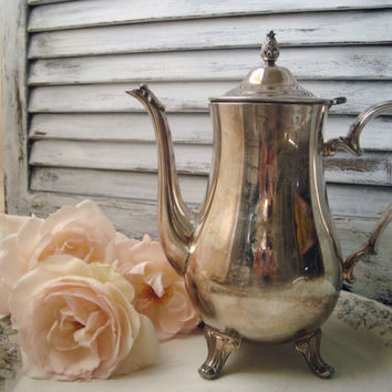 Silver Plated Vintage Tea Pot, International Silver Company, Cottage Chic Teapot, Shabby Chic Decorative Teapot Display, Tarnished Tea Pot