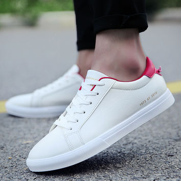 Unisex Fashion Classic Low Cut Lace Up Skate Shoes in White For Women/Men