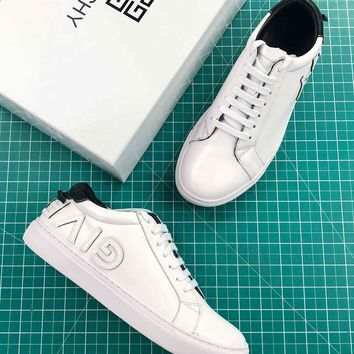 Givenchy Reverse Letters Low Top Sneaker White Black - Best Online Sale