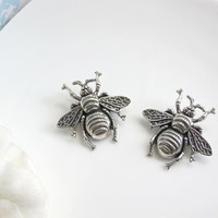 Bee Brooch. Summer Bee, Bumble Bee, Honey Bee. Nature Garden Woodlands Inspired Silver Bee Brooch Pin Accessory