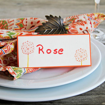 Place Cards with Two Colorful Flowers, Set of Handmade Name Cards with Dotted Flowers, Dinner Table Decoration, Seating Cards, Tent Cards