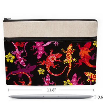 "11"" Macbook Air pouch, lizard Macbook Air 11 inches case, zipper front pocket, padded with foam - yellow, pink and orange geckos in black"