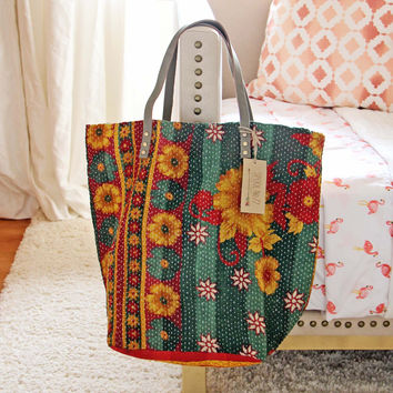 Sweet Stitch Tote in Green