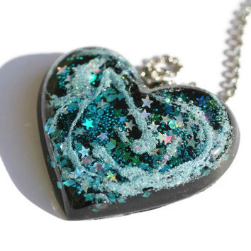 Space Alien Necklace Holographic Big Necklace Colorful Galaxy Pendant Heart Shaped Gift for Girlfriend Unique Funky Glitter Jewelry