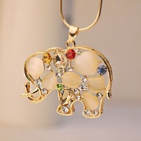 Cat Eye Gemed Elephant Fashion Necklace