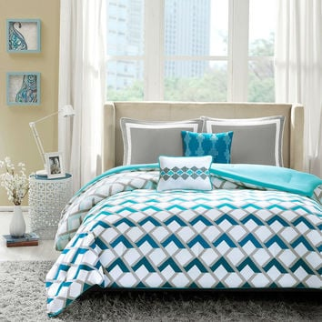 Blue White Geometric Ombre 4 Piece Comforter Set in Full/Queen