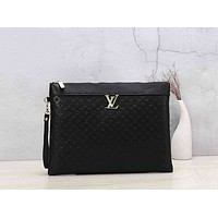 Louis Vuitton Fashion Casual Woman Men Envelope Clutch Bag Leather File Bag Tote Handbag