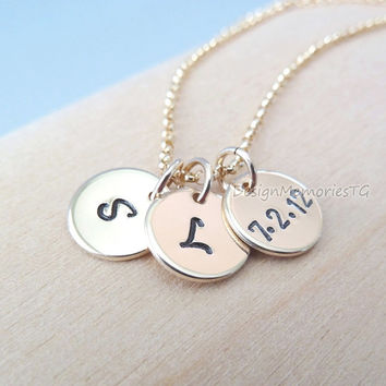 Personalized necklace. 3 Gold Initial Disc Charms. Initial jewelry. Etsy Mother's Day gifts jewelry personalized. Family necklace. Keepsake