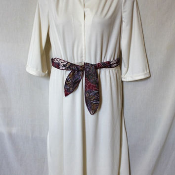 White Vintage Tunic Dress 70s Plus Size Gathered Waist Knee Length Quarter Sleeves Floral Tie Belt Mandarin Collar