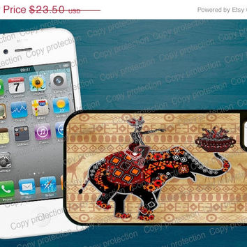 SALE African Art Elephant 2 piece rubber lining iPhone case, iPhone 5 case - Made in USA  iPhone 4 hard case, iPhone cover, iPhone hard cas