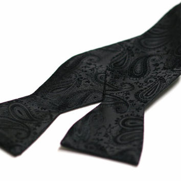 SELF TIED Bow Tie in Black Paisley