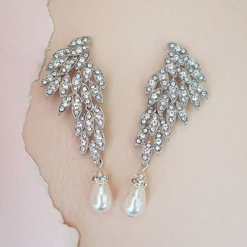 Gatsby Inspired Bridal Crystal Earrings Art Deco Chandelier Earrings Bohemian Wedding Jewelry for Brides JAYNE Swarovski Pearl and Crystal