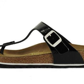 LMF8UH Birkenstock for Women: Gizeh Patent Leather Black Sandals