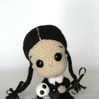 Elfin Thread- Wednesday Addams Chibi Doll Amigurumi PDF Pattern (Halloween Crochet Doll Pattern)