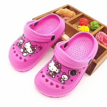 Summer kids shoes girls shoes cute hello kitty hollow girls slippers kids non-slip breathable beach shoes kids slippers girls