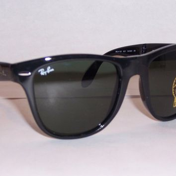 NEW RAYBAN SUNGLASSES FOLDING WAYFARER 4105 601 BLACK/GREEN 54MM AUTHENTIC