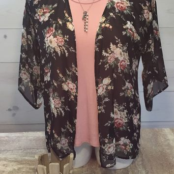 Women's Pretty in Floral Kimono Cardigan Black