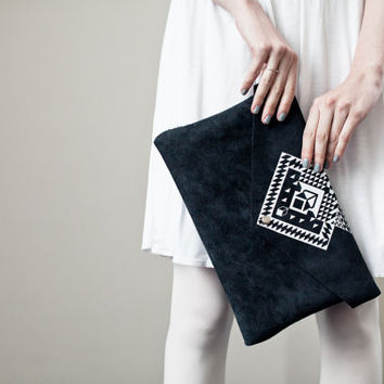NEW Envelope Bag Geometrical Illusion Leather Suede Dark with White No. EB-1011