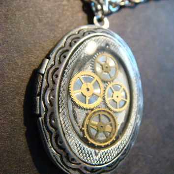 Steampunk Sprocket and Gear Locket Necklace - Antiqued Silver-006