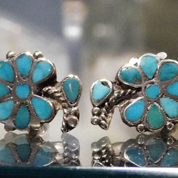 Vintage Turquoise Sterling Earrings Screw Back Silver Earrings Flower Floral Design 1940s 40s Turquoise Earrings Natural Gemstone Blue Gem