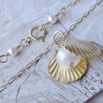 GF Sea Charm w/ Pearl Necklace, Gold Clam Shell Charms and Freahwater Pearl, Gift for New Moms, Mother Day's Gift, Ocean Necklace (GF1210N )