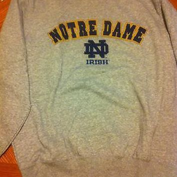 NOTRE DAME FIGHTING IRISH EMBROIDERED GRAY NCAA SWEATSHIRT