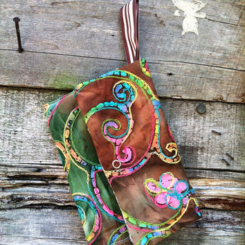 CW Wristlet small carry on bag hippie embroidered cosmetic carry all pouch