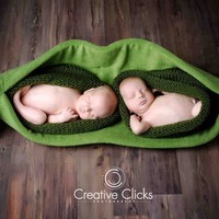 Two Peas in a Pod Ultimate Newborn Photo Prop for TWINS by 4aSong