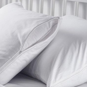 1 NEW WHITE HOTEL HYPOALLERGENIC PILLOW CASE ZIPPERED PROTECTOR COVERS 20''X30''
