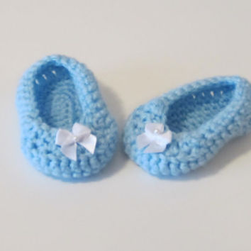 Crochet girl booties with white bow, crochet blue booties, crochet light blue booties,crochet shoes with bow, blue crochet shoes, baby shoes