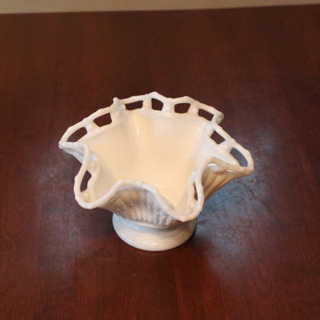Fenton Glass ruffle Vase Bowl In white Beautiful condition folds Vintage Antique Blown glass