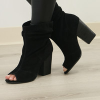 Chinese Laundry Beverly Thrills Black Genuine Suede Slouchy Peep Toe Bootie Model shoe SZ 7.5
