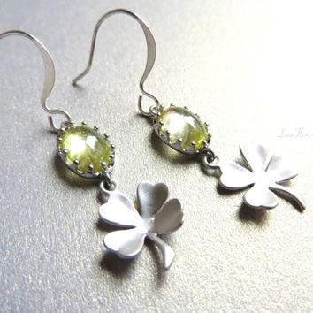 Cloverleaf Earrings, St. Patrick's Day Jewelry, Green Stone Silver Earrings, Clover Earrings