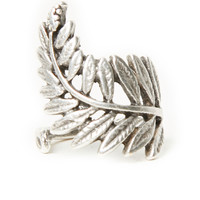 DailyLook: Natalie B Floating Fern Ring in Silver