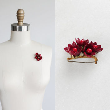 Vintage 40s Bakelite Bobble Brooch | Red Floral Pin
