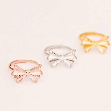dainty bow open ring , in sterling silver with white gold / yellow gold / rose gold plate, hammered edge