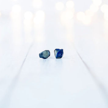 Raw sapphire earrings | Blue sapphire earrings | Blue sapphire jewelry | Raw stone earrings