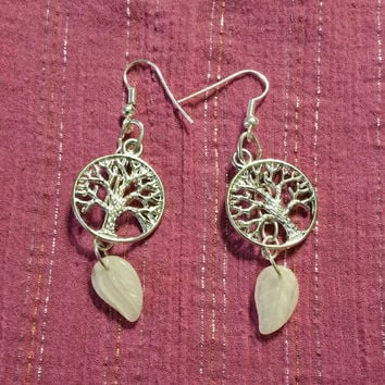 Tree of life dangle earing with white leaf bead.