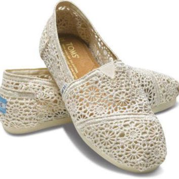 TOMS WOMENS NATURAL MOROCCO CROCHET SLIP-ON SHOES