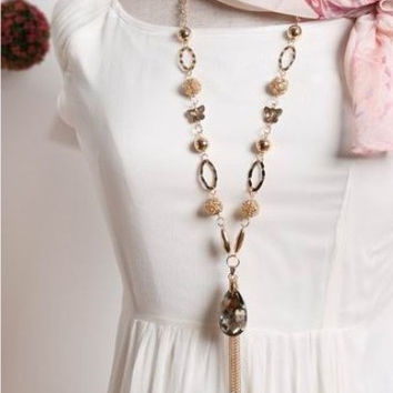 FREE Shipping! Amazing Large Crystal Long Chain Necklace.