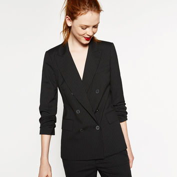 DOUBLE-BREASTED PINSTRIPE JACKET DETAILS