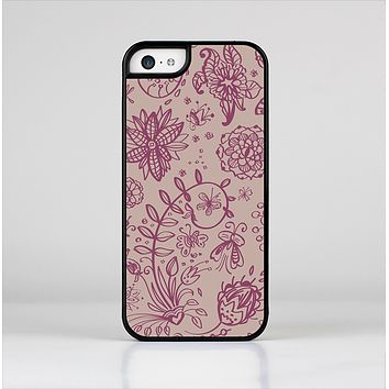 The Puprle and Light Pink Sketched Lace Patterns v21 Skin-Sert for the Apple iPhone 5c Skin-Sert Case