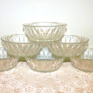 Small Dishes, Set of 6, Candy, Bonbon, Sweets, Dessert, Made in France, Vintage, glass, mid century, very pretty, homeware