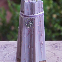BENDITH y SIDHE - The Sidhe's Blessing FOXGLOVE Faery Soy Tapered Star Pillar Candle w/ Honey, Ginger, Wine, Peridot & More, Small