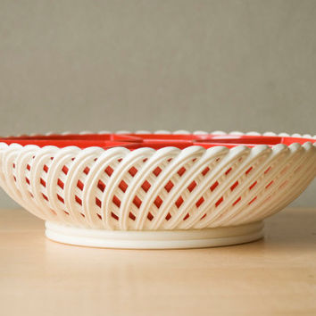 Serving dish devided from the '70s, red and white plastic by Emsa