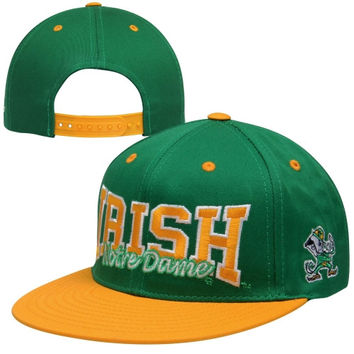 Mens Notre Dame Fighting Irish Top of the World Green/Gold Under Pressure Snapback Hat
