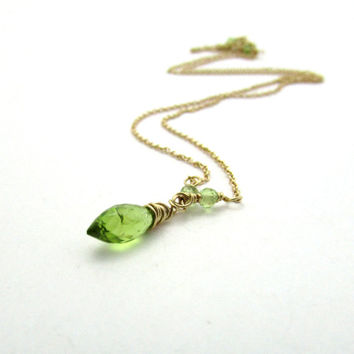 14K gold peridot necklace, August birthstone necklace, lime green peridot pendant, solid gold peridot gemstone necklace, 14k gold jewelry